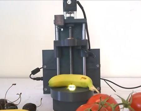 Agrosta SCW, colorimeter combined with a lab scale and a caliper for fruits and vegetables