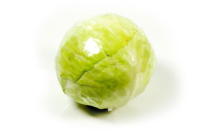 Round lettuce, broccoli, cabbage, ... packaging in a flow pack wrapper (HFFS)